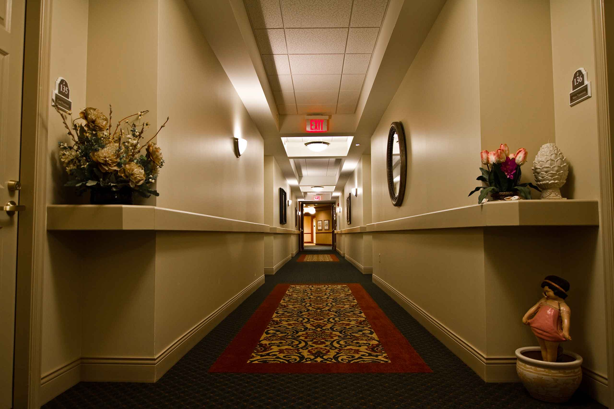 The-Hallmark-of-Creve-Coeur-Hallway