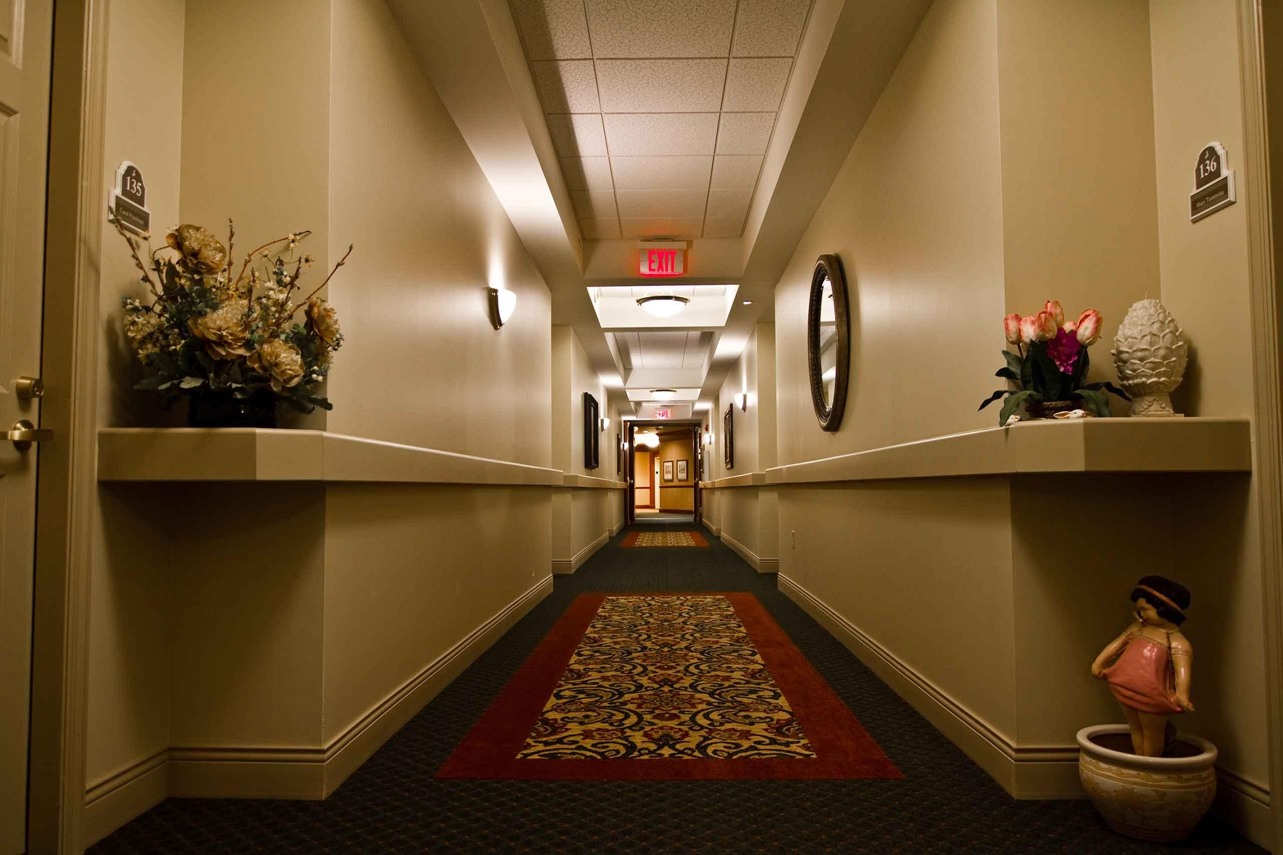 The-Hallmark-of-Creve-Coeur-Hallway