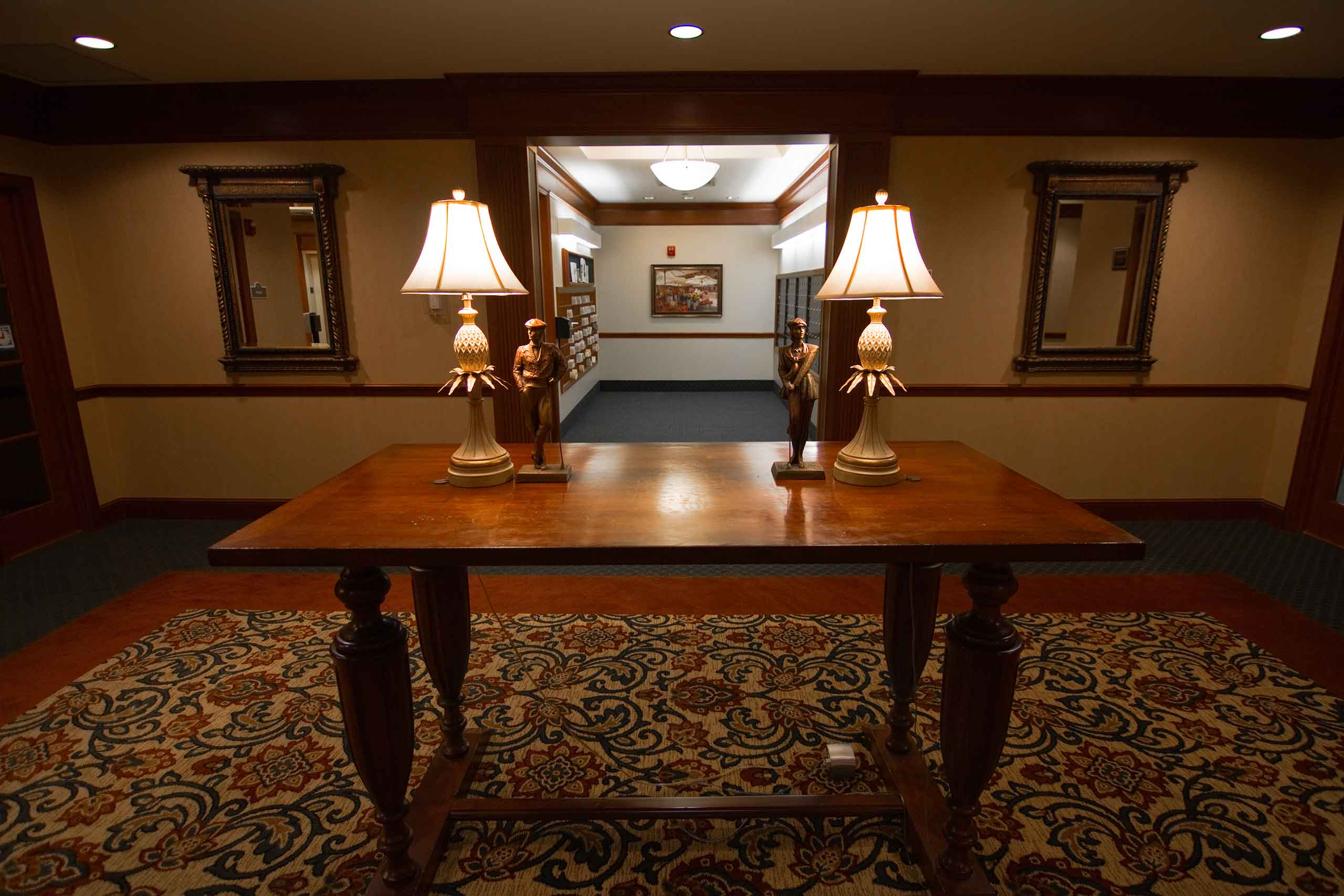 The-Hallmark-of-Creve-Coeur-Table